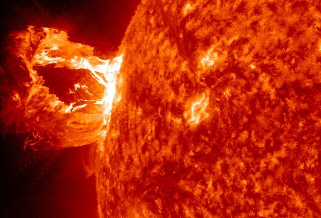 solar-flare-sun-april-16-2012-sdo-jpg_223956